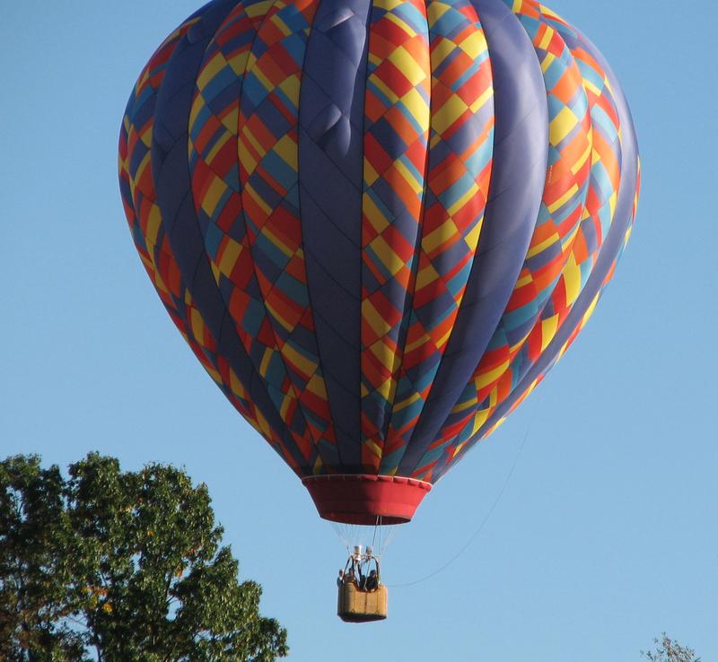 Hot_air_balloon_i